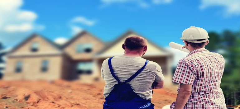 things your movers must know - two builders