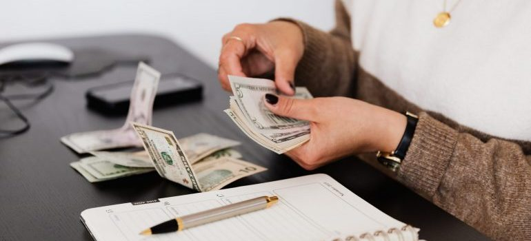 Keeping your costs low is easy with the right interstate movers NJ offers