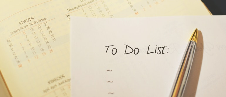 To-do checklist is a great help when decluttering after the relocation