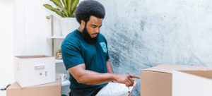 Hiring movers as one of the Top 5 moving-related questions and answers