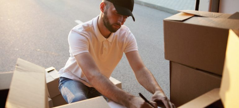 avoid beginner moving mistakes with professional movers.